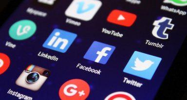 Wyciek danych użytkowników Facebooka