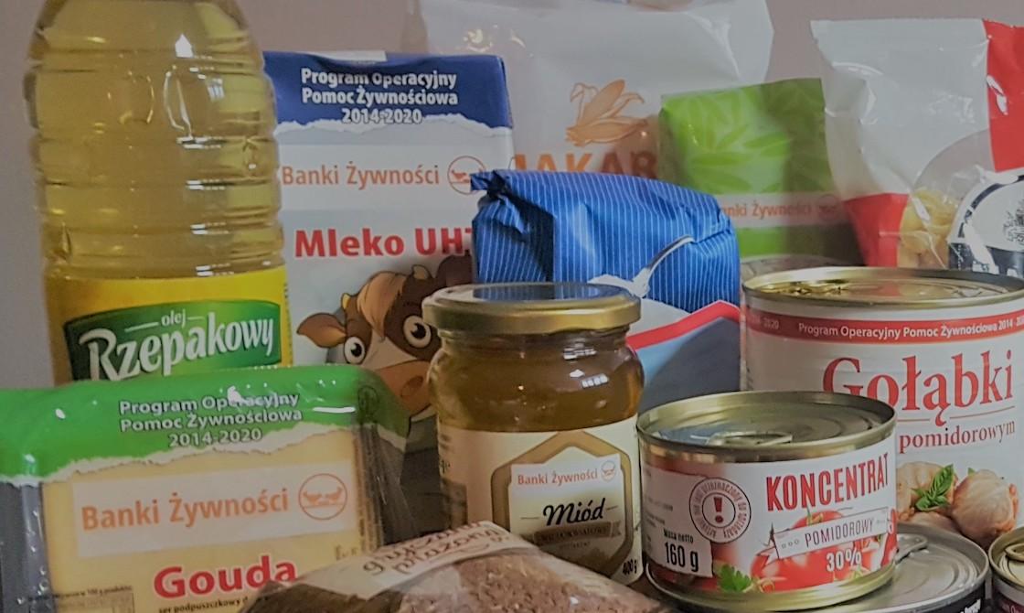 Wydawanie żywności przez OPS w Podegrodziu