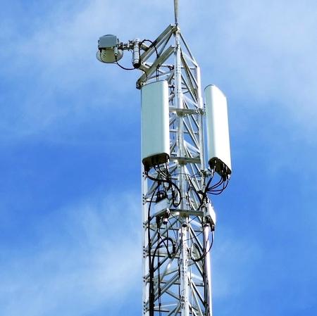 Maszt telekomunikacyjny. Zdjęcie poglądowe