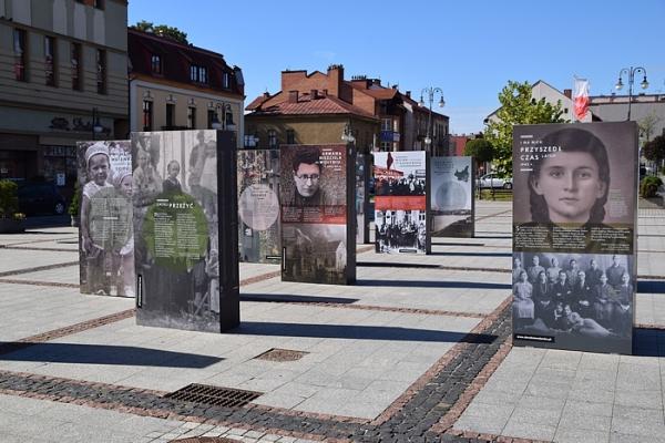 Wołyń 1943. Wołają z grobów, których nie ma. Wystawa w Starym Sączu