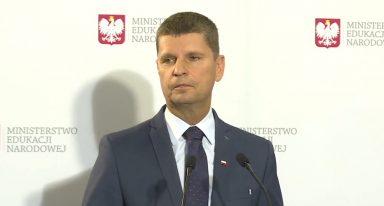 Minister Edukacji zapowiada powrót do szkół