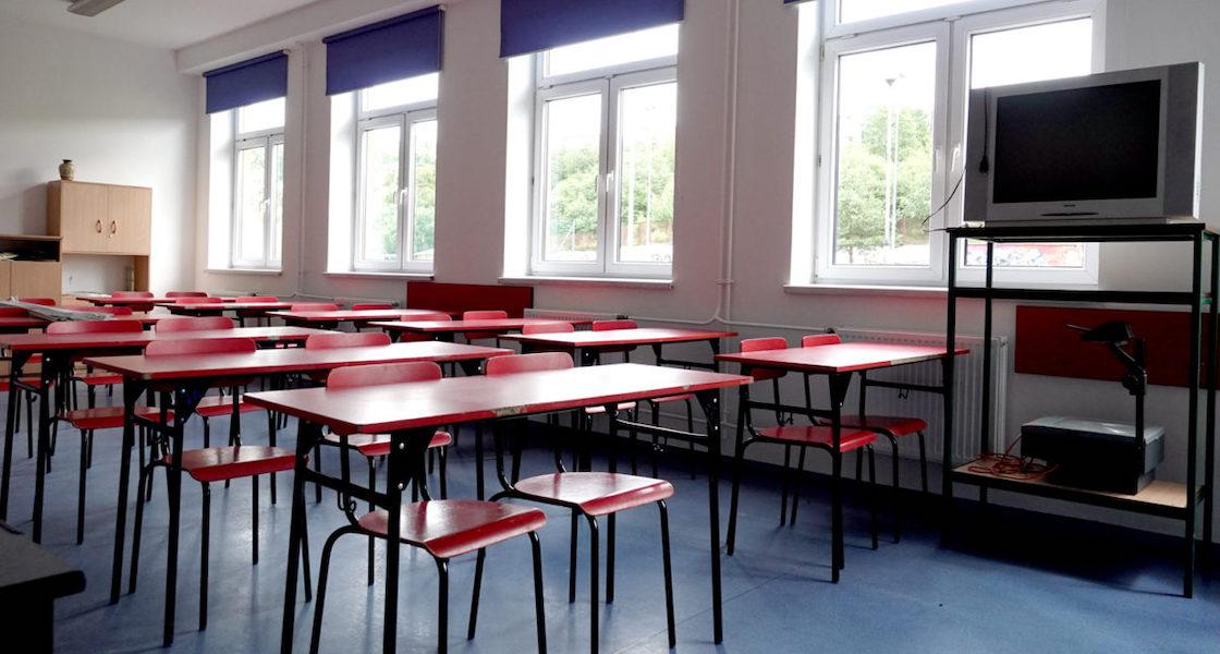 Uczniowie idą do szkoły 1 września