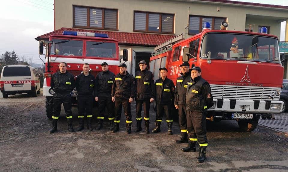 Strażacy z Podrzecza pomogli kolegom z Naszacowic