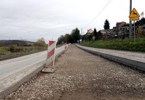 Trwają intensywne prace przy modernizacji dróg powiatowych m.in. Podegrodzie
