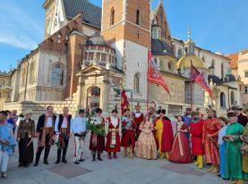 Mieszkańcy gminy Podegrodzie na obchodach 325. rocznicy śmierci Króla Jana III Sobieskiego w Krakowie